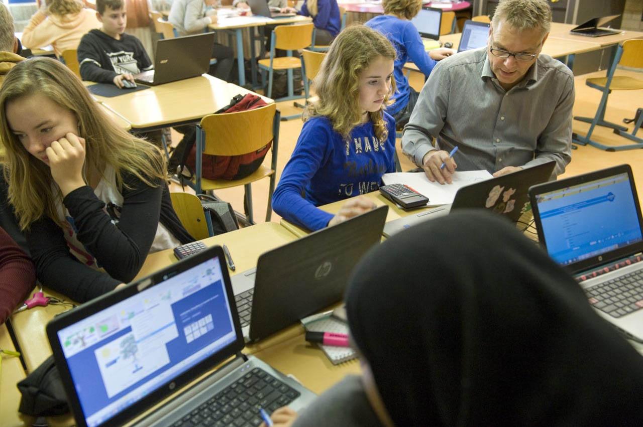 Leerlingen maken digitale toets