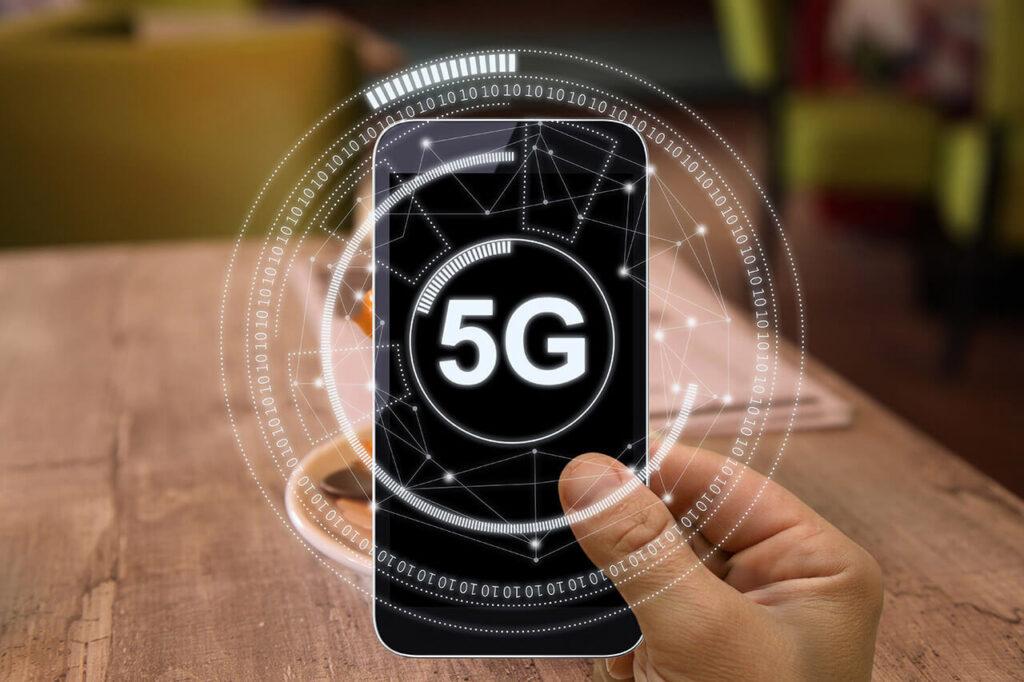 Mobiele telefoon met 5G-internet