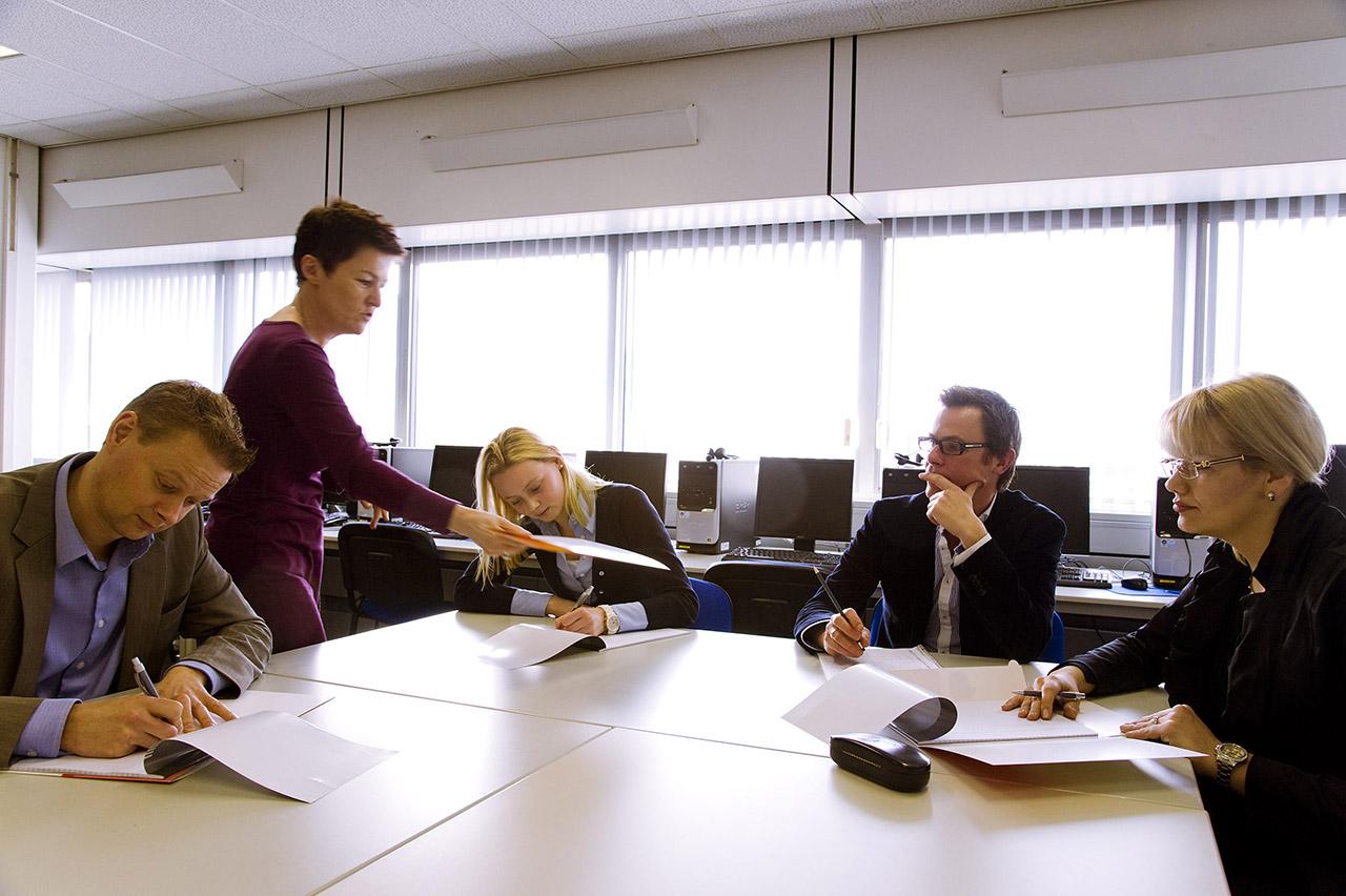 Handreiking Ict-bekwaamheid van de leraar: hoe pakt u dat aan?